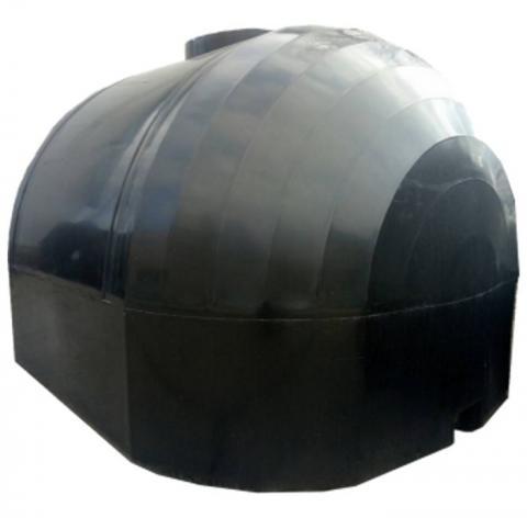 Емкость черная двухслойная, для перевозки пищевой воды с крышкой клапаном 6000 л